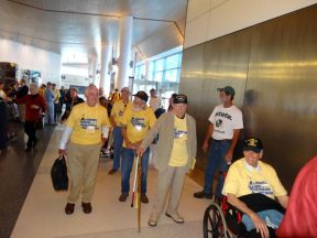 2013 04 19a2-Honor Flight WWII Veterans Arriving at SFO