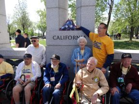 2013 04 20c-Honor Flight at WWII Memorial