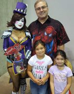 2017-Aug-19 - Papa, Jocelynn & Leah at StocktonCon
