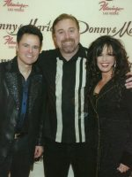2009-03-Michael & Donny and Marie Osmond-Singers
