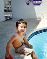2005-07-Michael's son Tyler at the pool