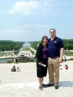 2010-06zg-Mary & Michael at the Gardens of the Palace of Versailles in Versailles, France