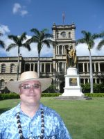 2011-04e-Michael and King Kamehameha Statue during Hawaii Cruise