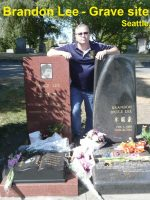 2012-09b-Bruce & Brandon Lee Grave Site-Seattle
