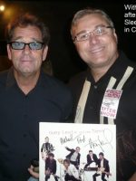2012-08a-Huey Lewis at his concert