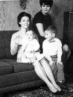 1966-09b-Michael with his mother Anne, his little brother Christian and his paternal Aunt Evelyn
