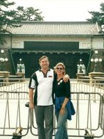 2000-09d-Michael & Rachel at the Emperor's Palace in Tokyo, Japan
