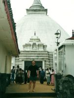 2000-10h-Michael at Kelaniya Royal Temple in Columbo, Sri Lanka