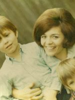 1970-06b-Michael with Mother Anne and baby Brother Christian in Wheaton, Maryland