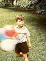 1970-08-Michael with balloons